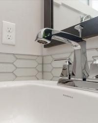 40-Bathroom-Detail