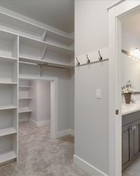 32-Closet