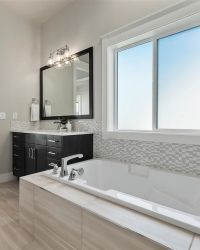 32-Master-Bathroom